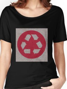 Recycle logo in red Women's Relaxed Fit T-Shirt