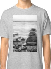 Rocks and waves at Kings Beach, Queensland Classic T-Shirt