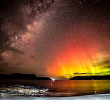 Aurora Australis @ Safety cove Tasmania  by Robert-Todd
