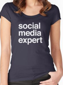 Social media expert Women's Fitted Scoop T-Shirt
