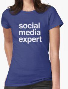 Social media expert Womens Fitted T-Shirt