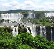 Iguazu waterfalls by gianliguori