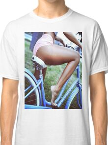 Bicycle babe Classic T-Shirt