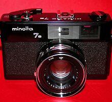 Minolta Hi-Matic 7s Black by wayneyoungphoto