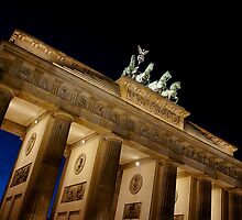 Brandenburg Gate at dusk by PlanetFranck