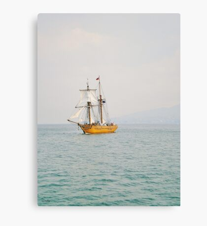 Sailing With The Tide Canvas Print