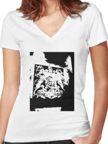 God Save the Queen. ER Crest- Transparent Women's Fitted V-Neck T-Shirt