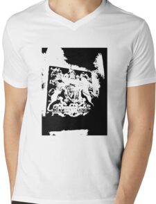 God Save the Queen. ER Crest- Transparent Mens V-Neck T-Shirt