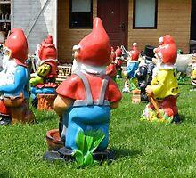 Dwarfs Turn Their Back on Humans by ivDAnu