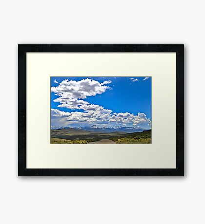 Praerie road Framed Print