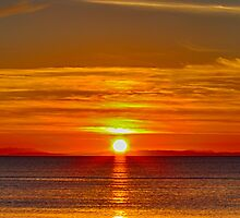 BURGHEAD SUNSET OVER THE CROMARTY by JASPERIMAGE