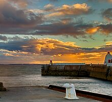 BURGHEAD - HARBOUR ENTRANCE SUNSET PANO by JASPERIMAGE