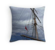 Masts_The Falls of Clyde Throw Pillow