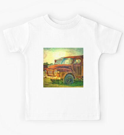 Old Rusty Bedford Truck Kids Tee