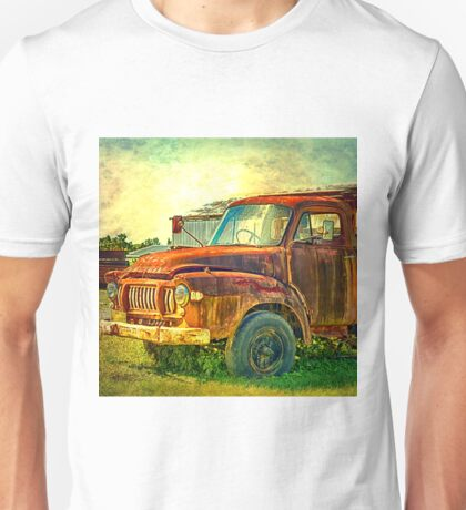 Old Rusty Bedford Truck Unisex T-Shirt