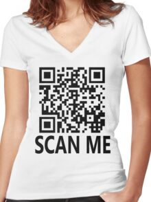 Scan me, shirt gag! Women's Fitted V-Neck T-Shirt