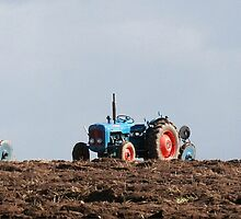 vintage tractor line by Sara-Lee