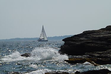 sailboat splash by iheartrhody