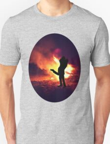 ✿♥‿♥✿ IT ONLY TAKES A SPARK TO GET A FIRE GOIN..BURNIN LOVE TEE SHIRT✿♥‿♥✿ T-Shirt
