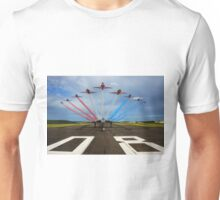 Red Arrows Tribute to Vulcan XH558 Unisex T-Shirt