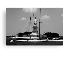 Statue of Liberty - Black and White Canvas Print