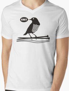 Talking bird knitting needles yarn Mens V-Neck T-Shirt