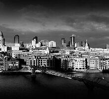 London Skyline by Isenwolf