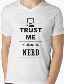 Trust me I´m a Nerd Mens V-Neck T-Shirt