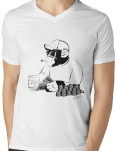 Chimp poker Mens V-Neck T-Shirt