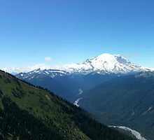 Mt. Rainier Panorama by kchase