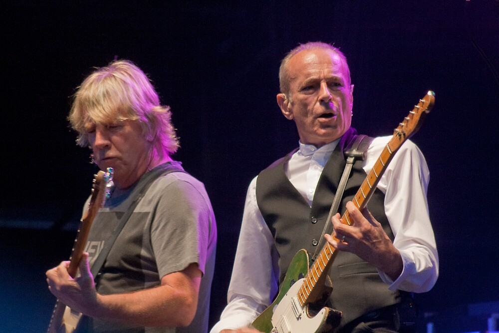 Status Quo by Dave Godden