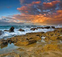 GREAT OCEAN ROAD by Rick Knowles