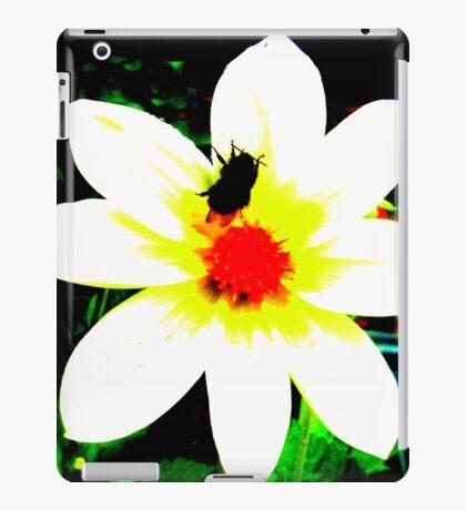 Bee on Dahlia iPad Case/Skin