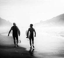 Surfers bond by MiVisions