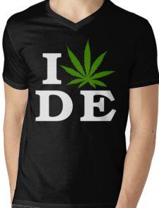 I Love Delaware Marijuana Cannabis Weed T-Shirt Mens V-Neck T-Shirt