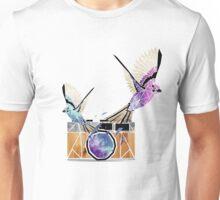 le petit oiseau va sortir! Unisex T-Shirt