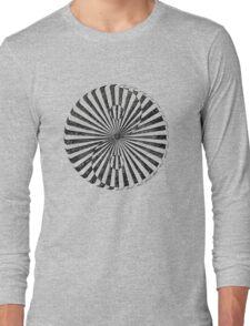 yin yang in stone (zahyíng) Long Sleeve T-Shirt