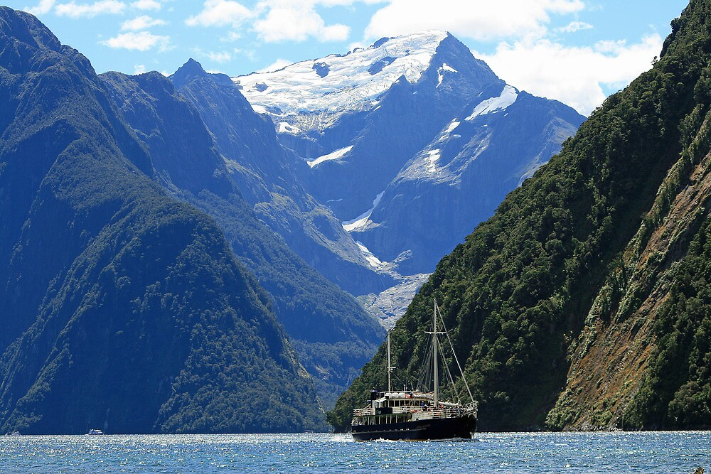 Milford Sound by DRWilliams
