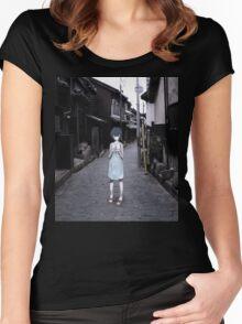 mini Rei in Tokyo Women's Fitted Scoop T-Shirt