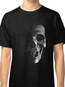 Grunge Skull - Dark Classic T-Shirt