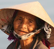 Vietnamese Lady in  Hoi An by DRWilliams