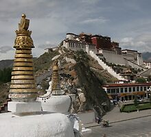 Travel Photography | Potala Palace, Tibet by Hannah Beer