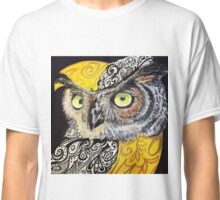 Great horned beauty  Classic T-Shirt