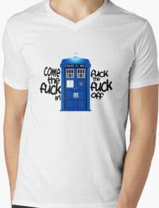 Tardis. Mens V-Neck T-Shirt