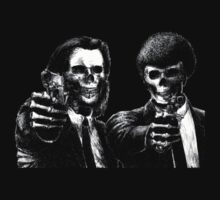 Pulp Fiction : vincent and  jules skull -For Black T-Shirt- by SpaceRedShirt