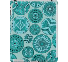Circular abstract turquoise pattern iPad Case/Skin