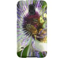 Close Up Of  Passion Flower with Honey Bee Samsung Galaxy Case/Skin