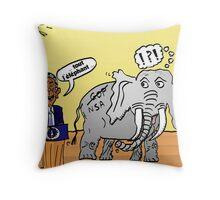 Obama et l'éléphant de la NSA Throw Pillow