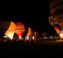 ight glow at the 35th Bristol International Balloon fiesta by Keith Larby
