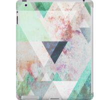 Graphic 3 turquoise iPad Case/Skin